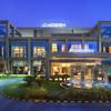 mer4318ex-188773-Hotel_Exterior_-_Night