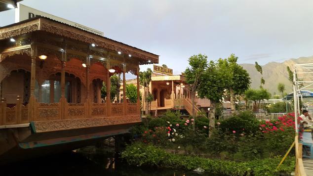 badyari-palace-houseboat-srinagar-srinagar-badyari-palace-58556070485g
