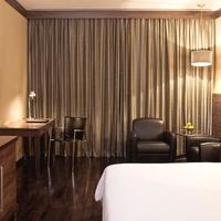 Executive_Room_Warm_And_Contemporary