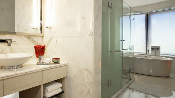 Executive_Suite_Bathroom