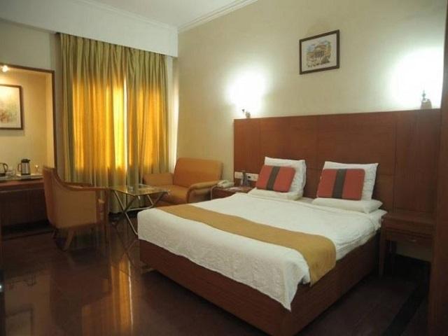 daspalla-executive-court-waltair-main-road-visakhapatnam-roxu