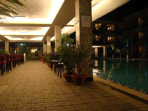 Poolside_Cafe