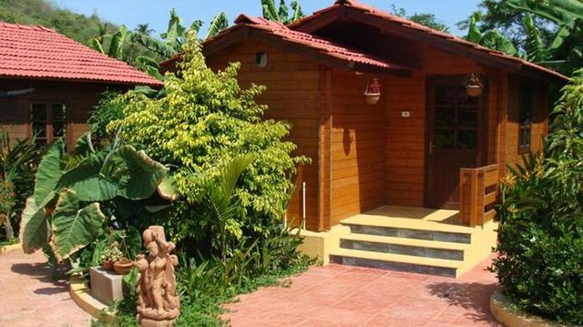 Winter_Green_Cottage-34607973g