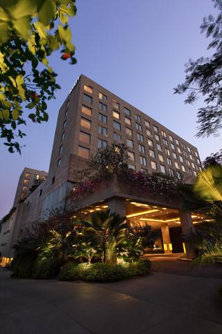 Hyatt-Pune-Facade