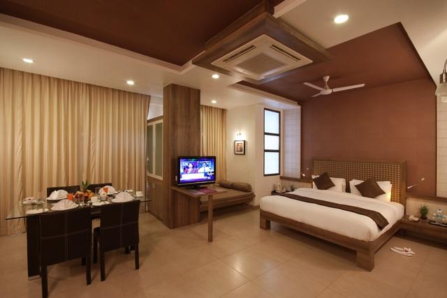 Suite__Room