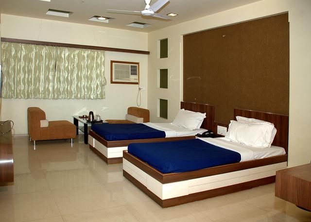 Hotel Ostria Surat