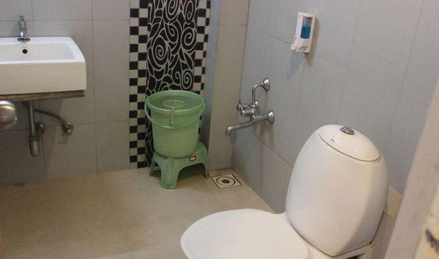 Washroom_(2)