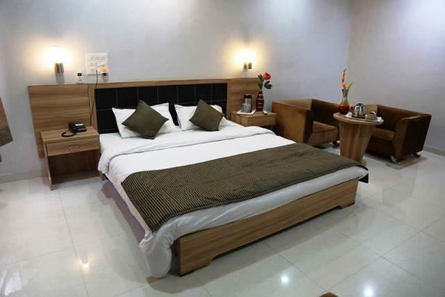 Hotel Leo Resort, Junagadh