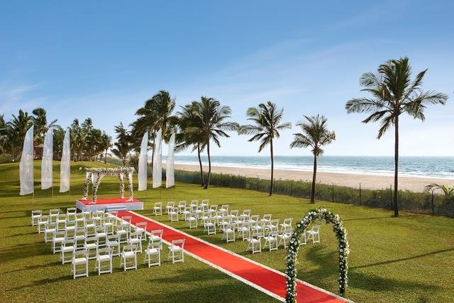 10_-_Garden_Wedding_Setup