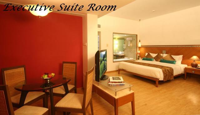 Ex_Suite_Room_No._406_-_01