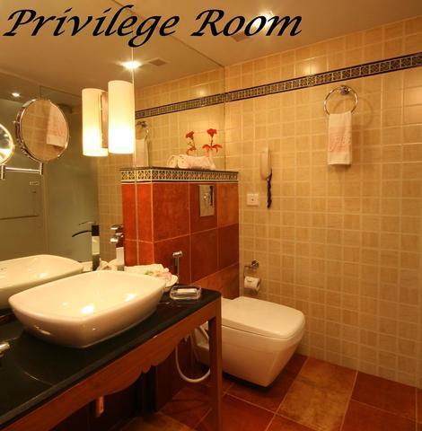 Previledge_Room_No._202_-_06