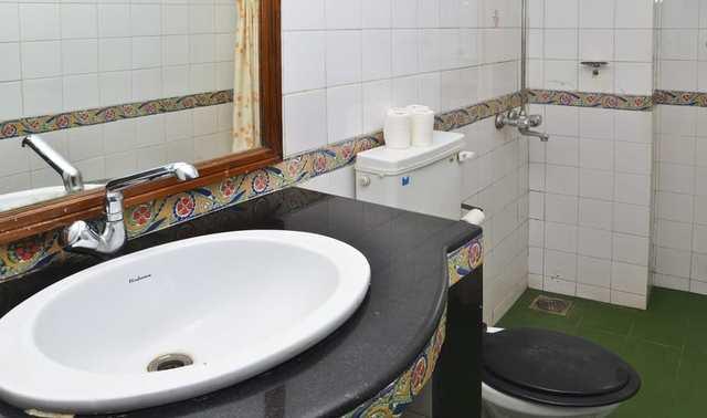 bath_room_.