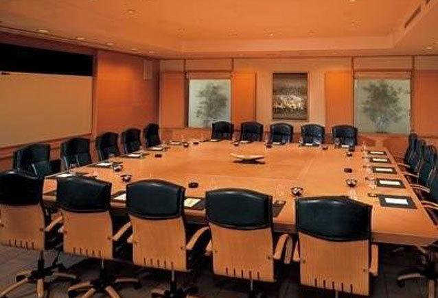sixteen_seater_meeting_room