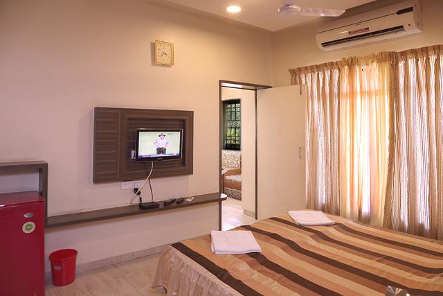 Hotel_Shreyas_Non_Ac_room
