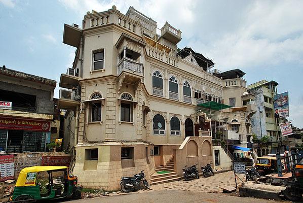 Palace On Ganges, Varanasi