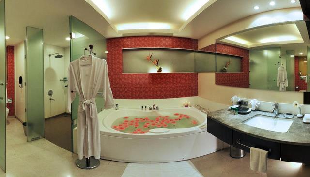 Bathroom_Suite