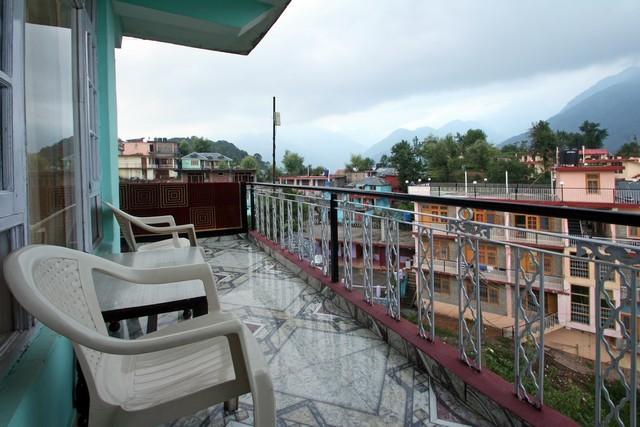 Hotel Snow Crest Inn, Dharamshala