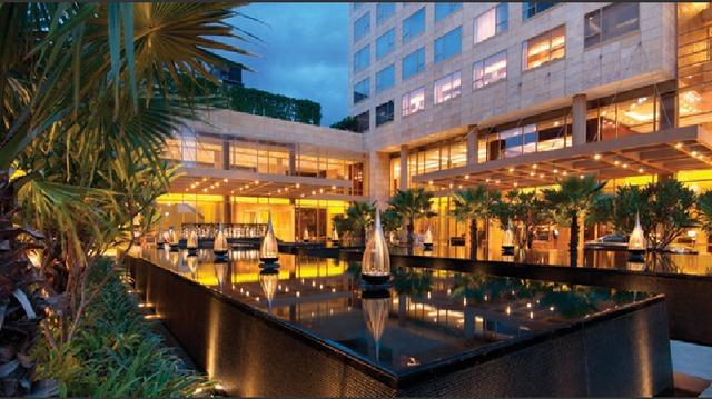 Hotel_Entrance
