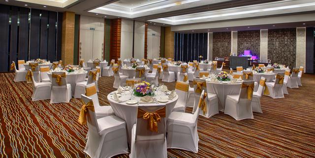 Sterling_Silver__Banquet_Venue