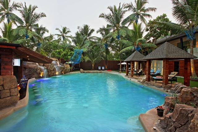 pool_8085