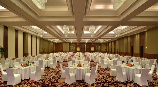 4_Banquet_Rd_Table_CC2CF_SH_LR