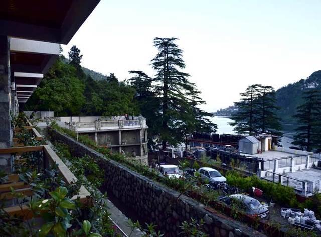 seasons-hotel-pic1